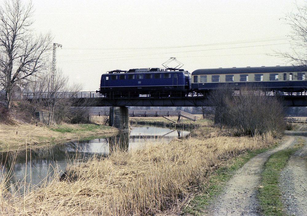 http://www.doku-des-alltags.de/BDMuenchen/KBS960/1977-03-10%20Murnau%20und%20Hechendorf/1977-03-10_4%20110225_E3682%20vHechendorf.jpg