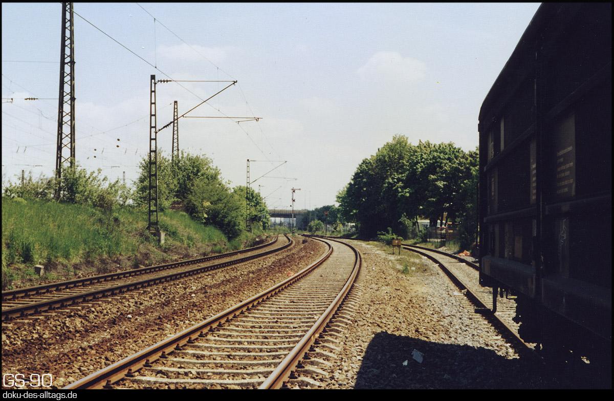 http://www.doku-des-alltags.de/BDMuenchen/Muenchen-Laim/Stammgleis/Anschlussgleis.jpg