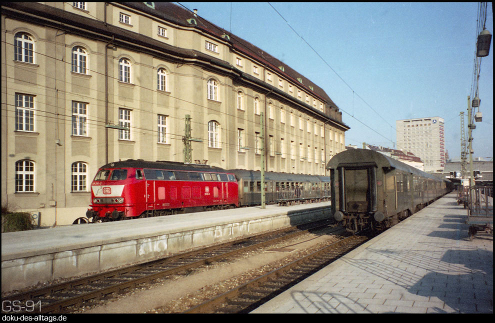 drehscheibe online foren 04 historische bahn fr hling in m nchen hbf april 1991 15 b. Black Bedroom Furniture Sets. Home Design Ideas