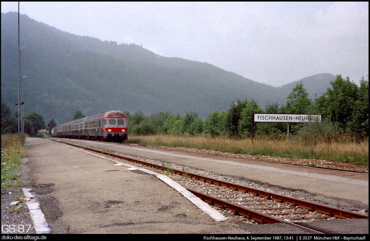 http://www.doku-des-alltags.de/BDMuenchen/Oberlandbahnen/870904%20Schliersee/19%20E%203537%20in%20Fischhausen-Neuhaus.jpg