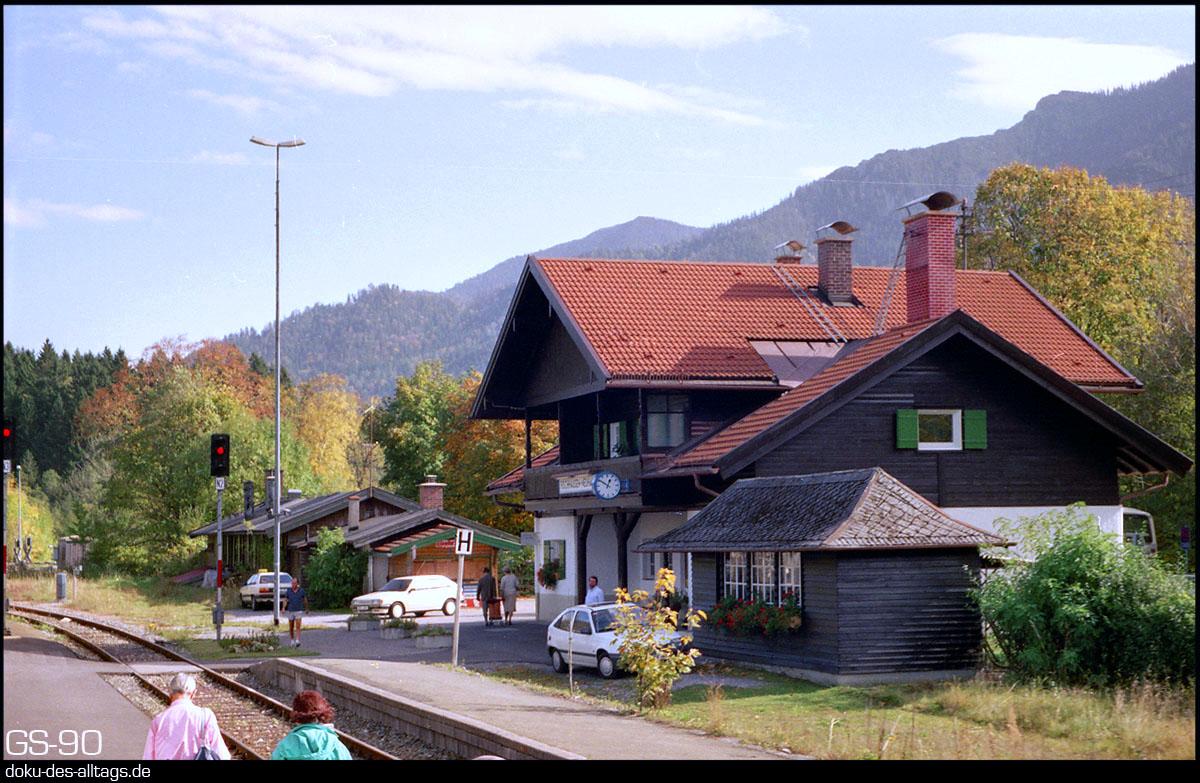 http://www.doku-des-alltags.de/BDMuenchen/Oberlandbahnen/901000%20Schliersee%20Bayrischzell/02%20Fischhausen-Neuhaus.jpg