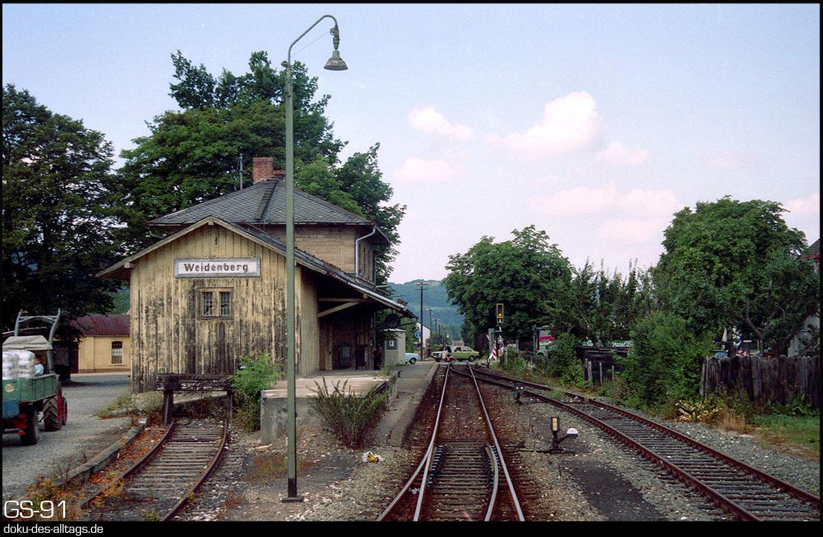 http://www.doku-des-alltags.de/StreckenundBahnhoefe/Franken/910700%20Bayreuth%20Warmensteinach/Film%203/02%20Weidenberg.jpg