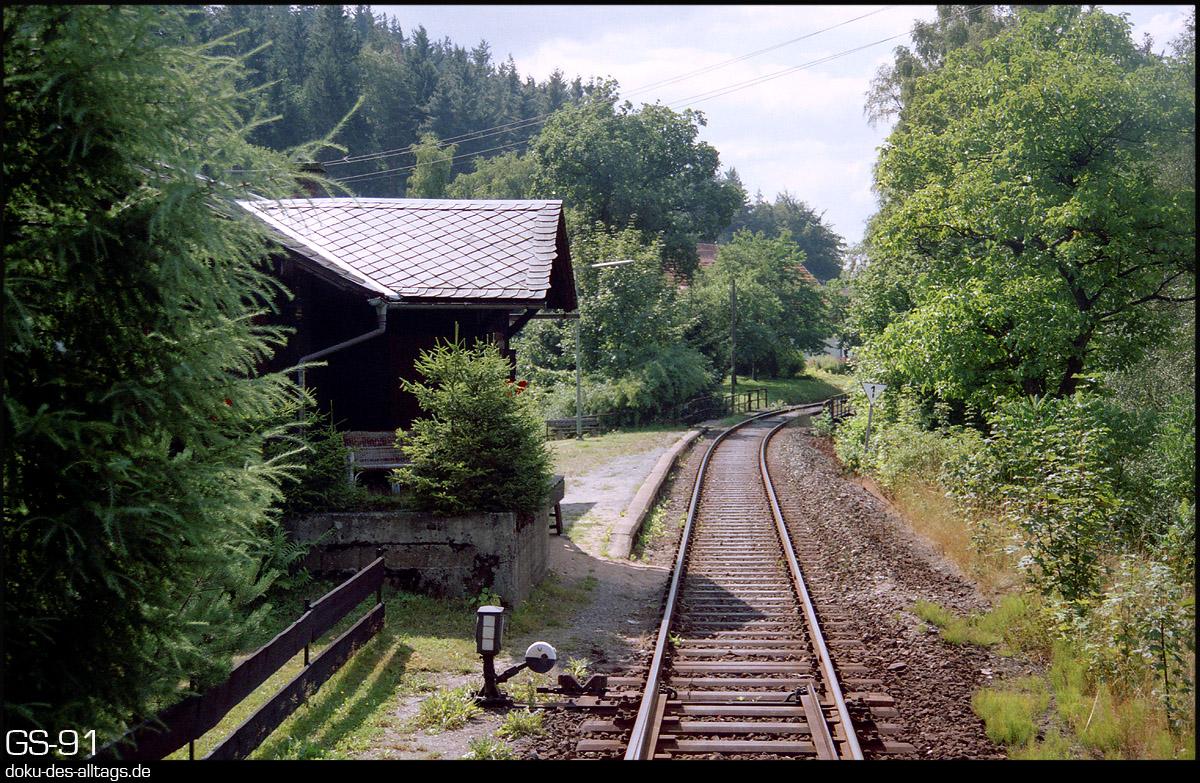 http://www.doku-des-alltags.de/StreckenundBahnhoefe/Franken/910700%20Bayreuth%20Warmensteinach/Film%203/07%20Sophienthal.jpg