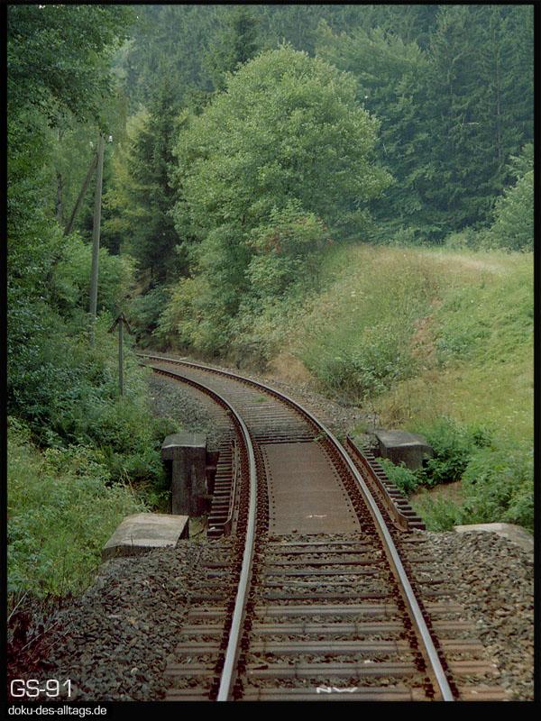 http://www.doku-des-alltags.de/StreckenundBahnhoefe/Franken/910700%20Bayreuth%20Warmensteinach/Film%203/11%20unterwegs.jpg