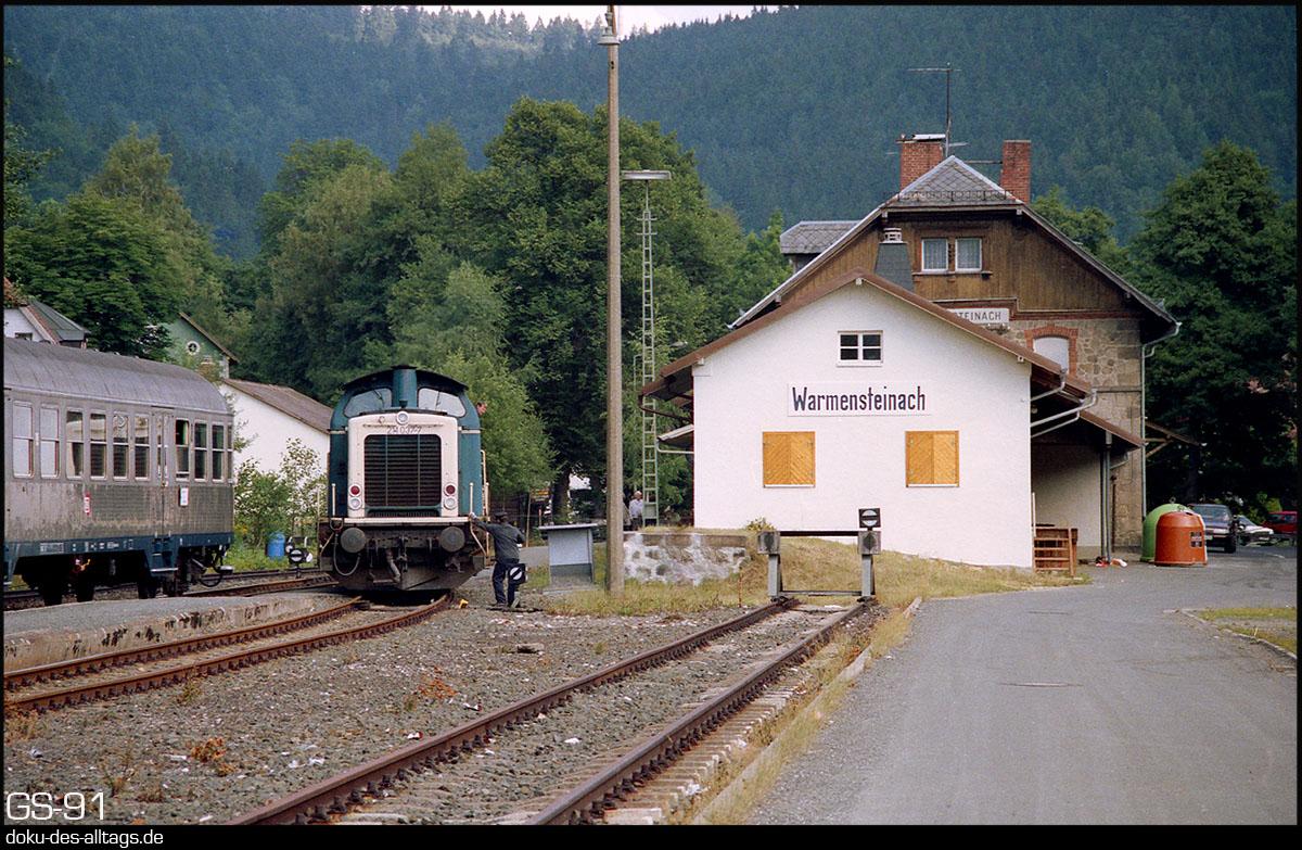 http://www.doku-des-alltags.de/StreckenundBahnhoefe/Franken/910700%20Bayreuth%20Warmensteinach/Film%203/16%20211%20037%20in%20Warmensteinach.jpg