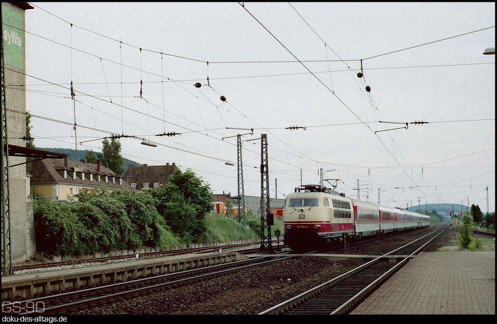 http://www.doku-des-alltags.de/StreckenundBahnhoefe/Franken/Weissenburg/Weissenburg%20Data/103%20104%20in%20Weissenburg.jpg