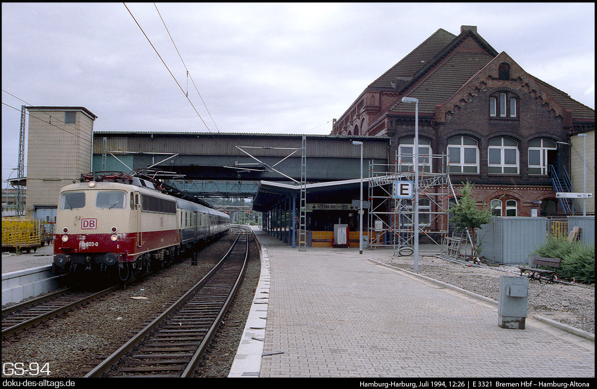 http://www.doku-des-alltags.de/StreckenundBahnhoefe/Heidebahn/Film%201/14%20110%20503%20in%20Hamburg-Harburg.jpg
