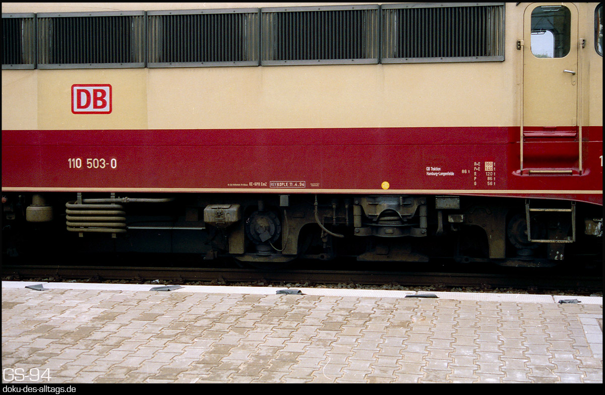 http://www.doku-des-alltags.de/StreckenundBahnhoefe/Heidebahn/Film%201/15%20110%20503%20in%20Hamburg-Harburg.jpg