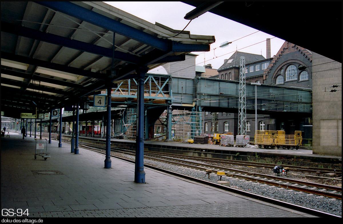 http://www.doku-des-alltags.de/StreckenundBahnhoefe/Heidebahn/Film%201/16%20Hamburg-Harburg.jpg