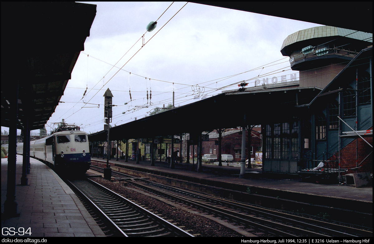 http://www.doku-des-alltags.de/StreckenundBahnhoefe/Heidebahn/Film%201/15%20110%20329%20in%20Hamburg-Harburg.jpg