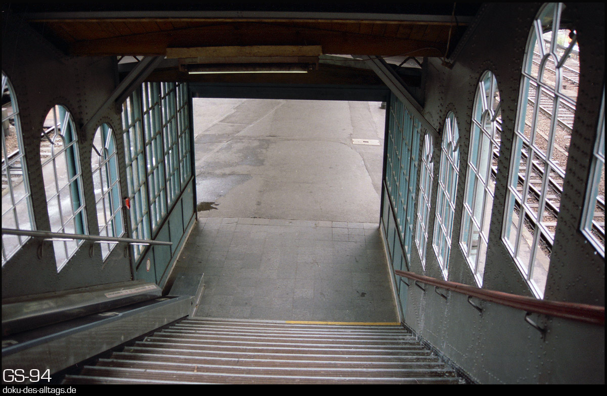 http://www.doku-des-alltags.de/StreckenundBahnhoefe/Heidebahn/Film%201/20%20Hamburg-Harburg.jpg