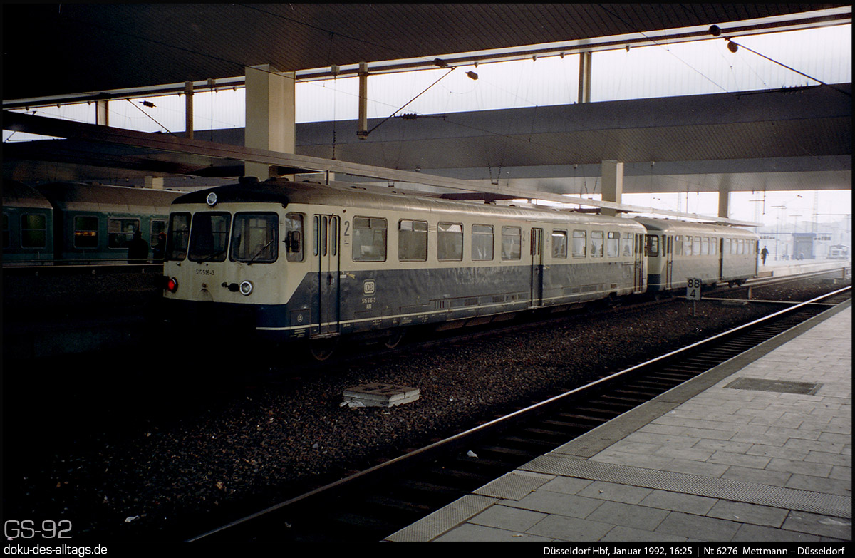 http://www.doku-des-alltags.de/StreckenundBahnhoefe/NRW/1992%20Duesseldorf/Januar/21%20515%20516%20in%20Duesseldorf%20Hbf.jpg