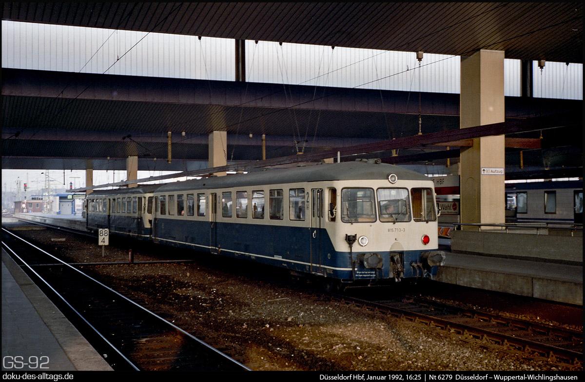 http://www.doku-des-alltags.de/StreckenundBahnhoefe/NRW/1992%20Duesseldorf/Januar/22%20815%20713%20in%20Duesseldorf%20Hbf.jpg