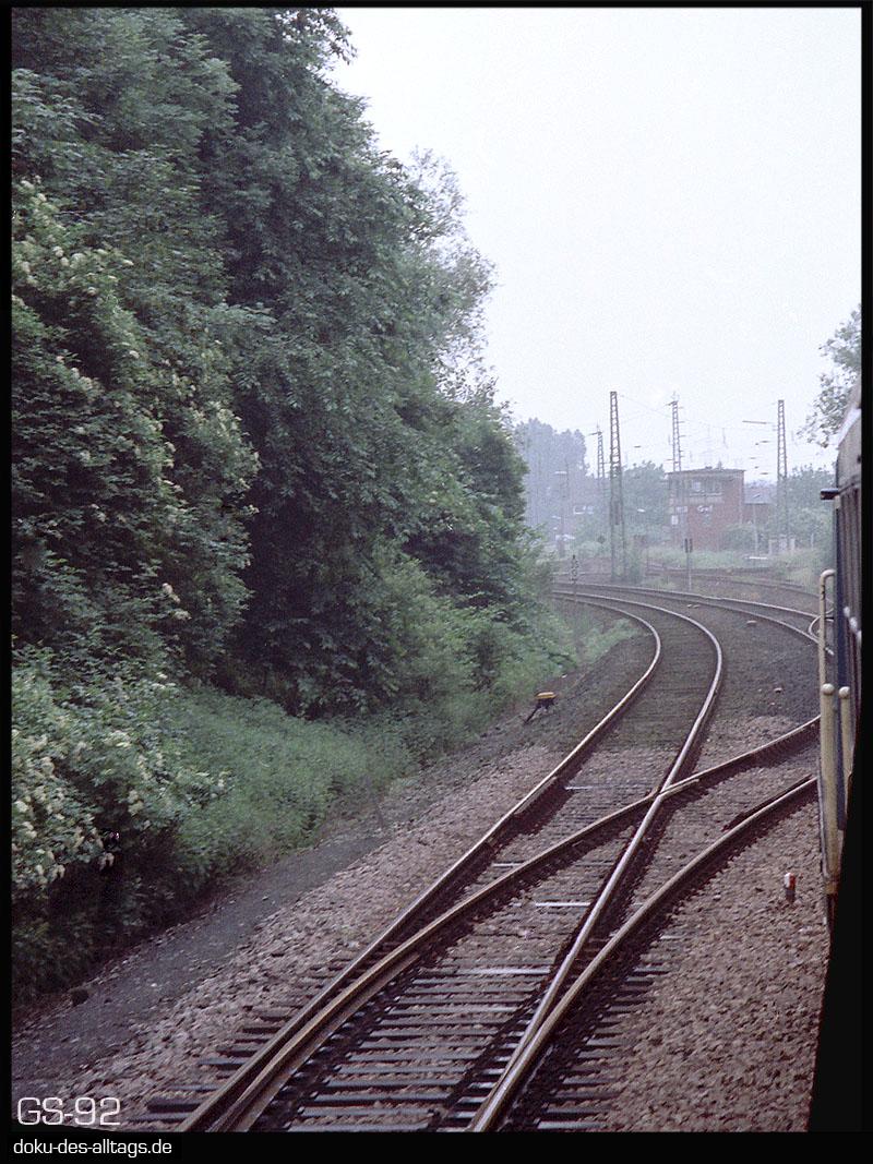 http://www.doku-des-alltags.de/StreckenundBahnhoefe/NRW/1992%20Neuss%20Dueren/Film%202/14%20Grevenbroich.jpg