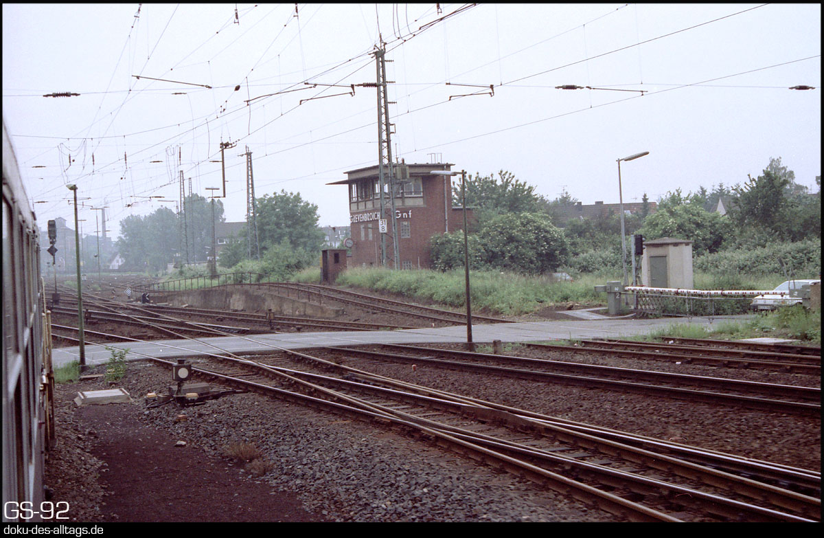 http://www.doku-des-alltags.de/StreckenundBahnhoefe/NRW/1992%20Neuss%20Dueren/Film%202/15%20Grevenbroich.jpg