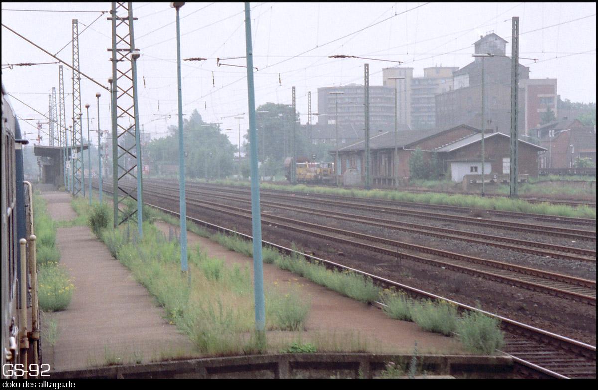 http://www.doku-des-alltags.de/StreckenundBahnhoefe/NRW/1992%20Neuss%20Dueren/Film%202/16%20Grevenbroich.jpg