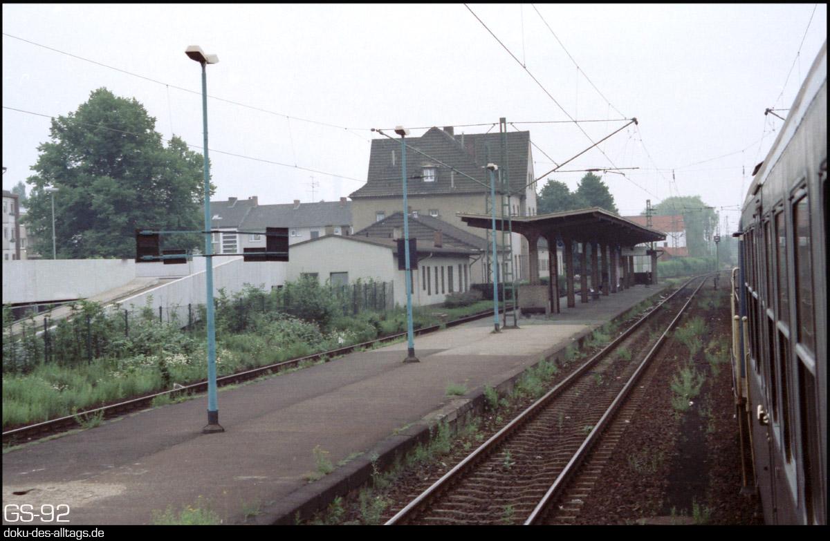 http://www.doku-des-alltags.de/StreckenundBahnhoefe/NRW/1992%20Neuss%20Dueren/Film%202/17%20Grevenbroich.jpg