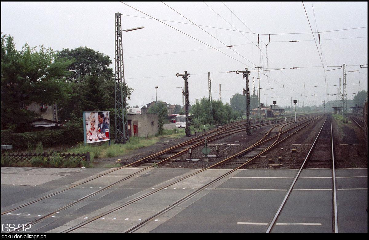 http://www.doku-des-alltags.de/StreckenundBahnhoefe/NRW/1992%20Neuss%20Dueren/Film%202/21%20Grevenbroich.jpg
