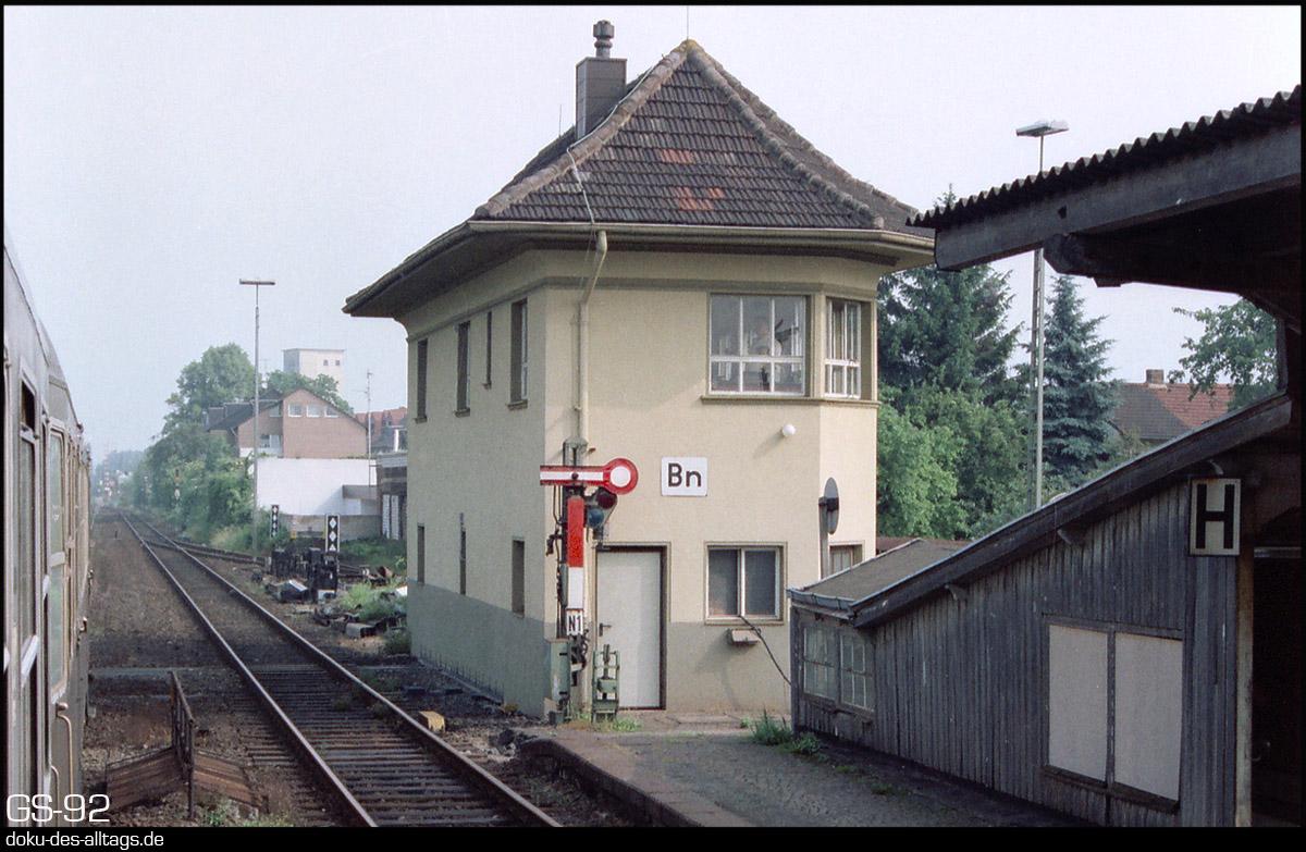 http://www.doku-des-alltags.de/StreckenundBahnhoefe/NRW/1992%20Neuss%20Dueren/Film%202/35%20Bedburg.jpg
