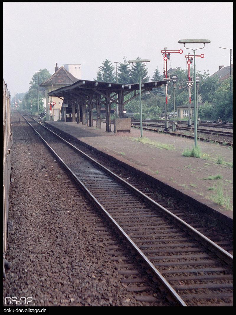http://www.doku-des-alltags.de/StreckenundBahnhoefe/NRW/1992%20Neuss%20Dueren/Film%203/01%20Bedburg.jpg