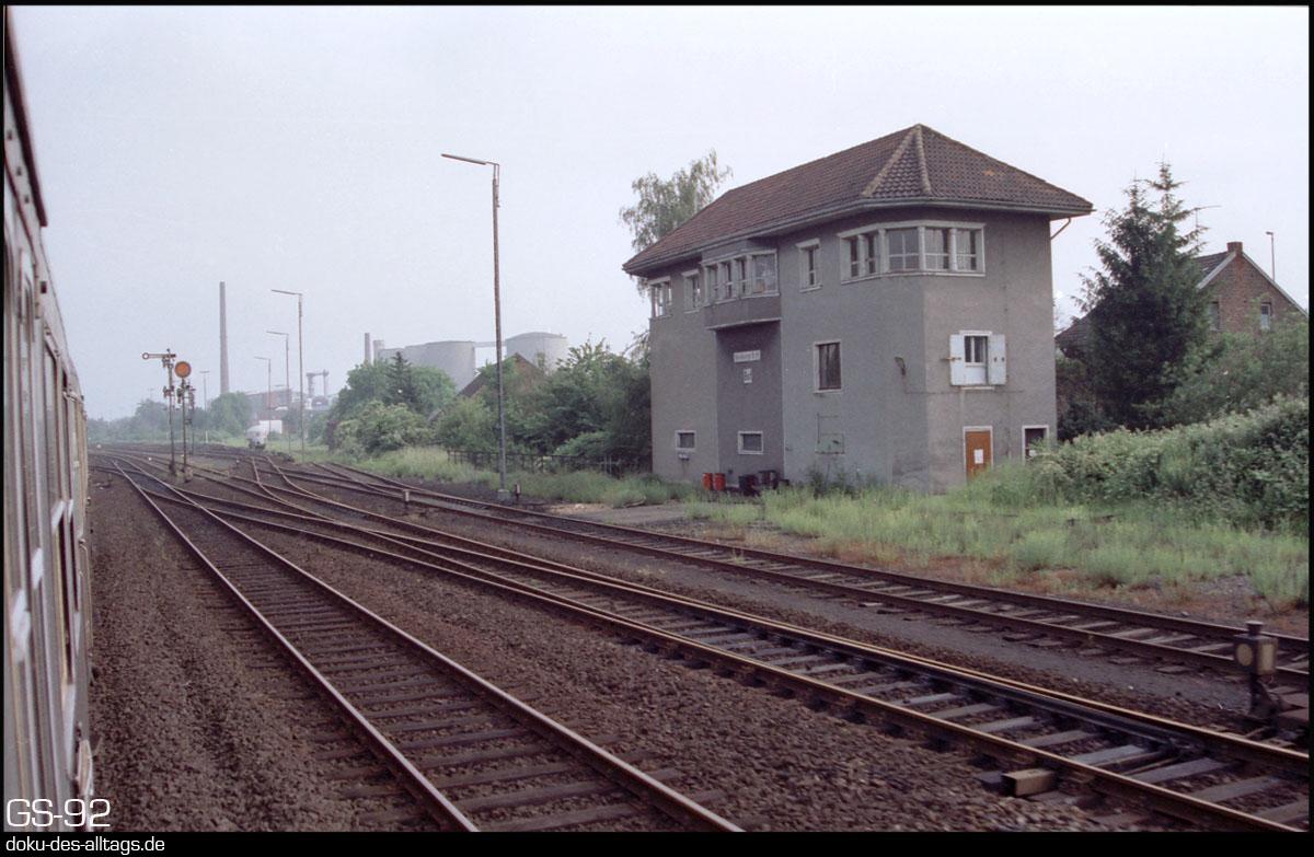 http://www.doku-des-alltags.de/StreckenundBahnhoefe/NRW/1992%20Neuss%20Dueren/Film%203/03%20Bedburg.jpg