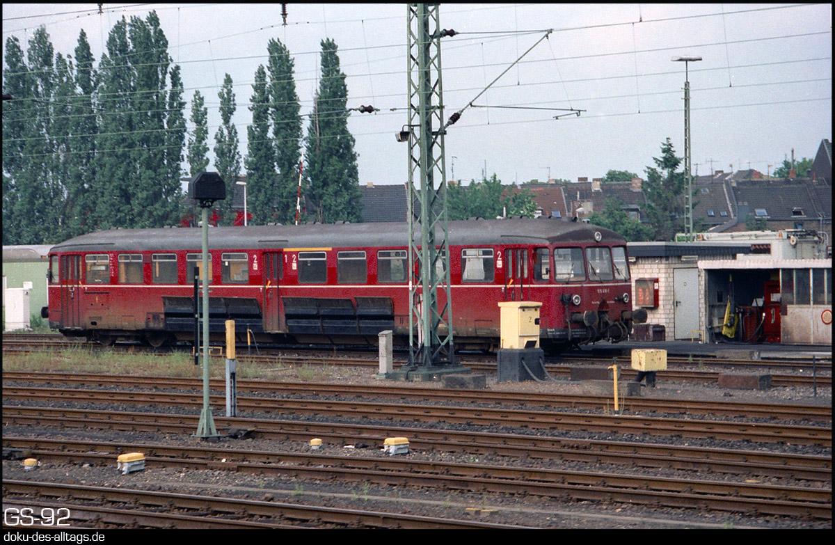 http://www.doku-des-alltags.de/StreckenundBahnhoefe/NRW/1992%20Neuss%20Dueren/Film%203/17%20515%20616%20in%20Dueren.jpg