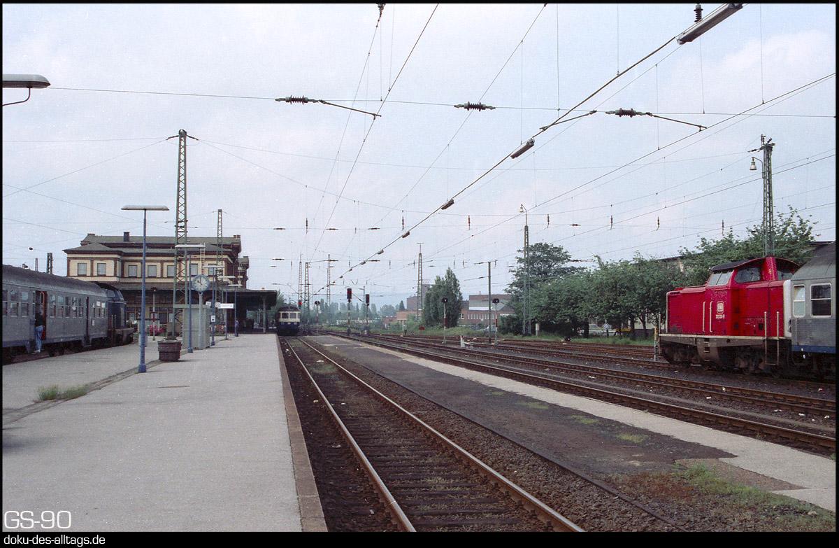 http://www.doku-des-alltags.de/StreckenundBahnhoefe/NRW/1992%20Neuss%20Dueren/Film%203/25%20Dueren.jpg