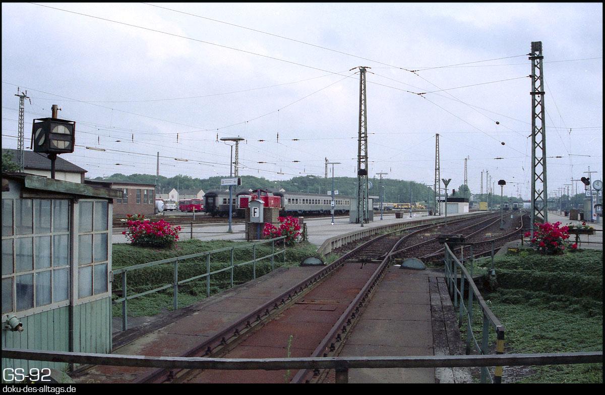 http://www.doku-des-alltags.de/StreckenundBahnhoefe/NRW/1992%20Neuss%20Dueren/Film%203/28%20Dueren.jpg