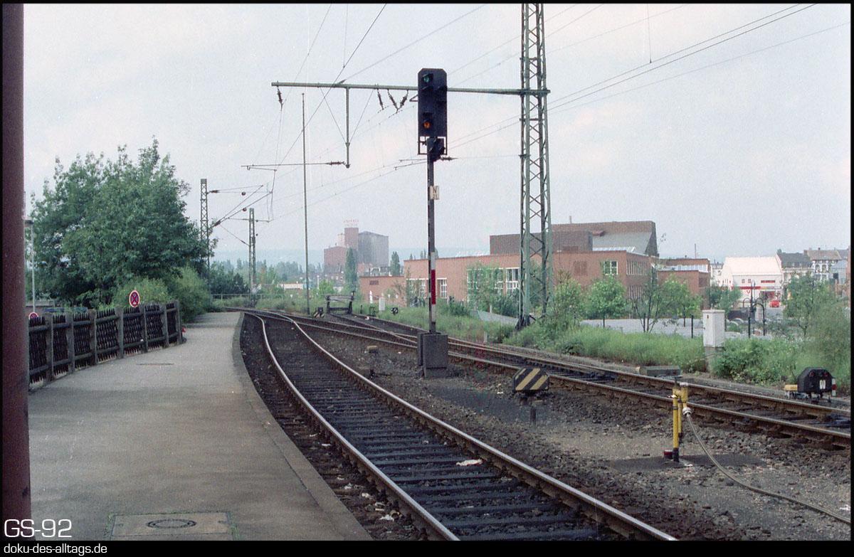 http://www.doku-des-alltags.de/StreckenundBahnhoefe/NRW/1992%20Neuss%20Dueren/Film%203/31%20Dueren.jpg