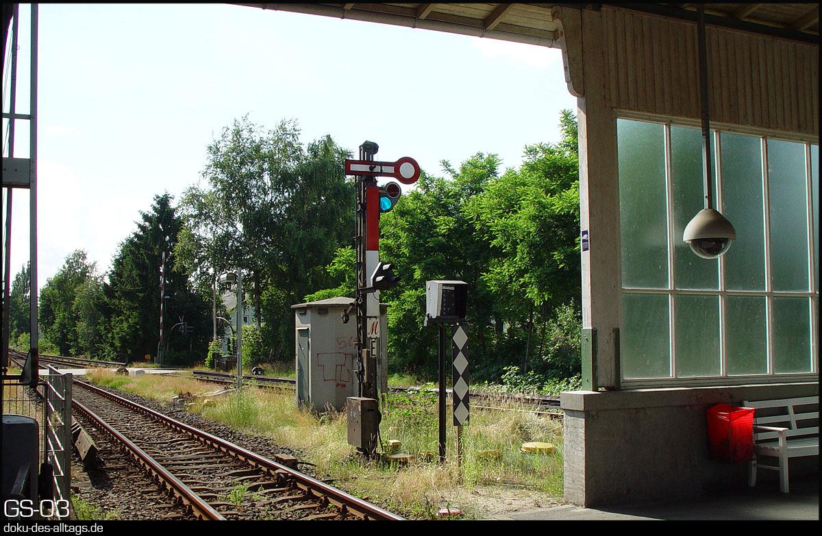http://www.doku-des-alltags.de/Themen/Signale/Suelldorf.jpg